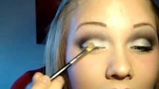 Makeup Tutorial; Dramatic black & white Look.