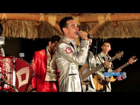 Grupo Codiciado Ft. Grupo Fernandez - El Junior (En Vivo 2015)