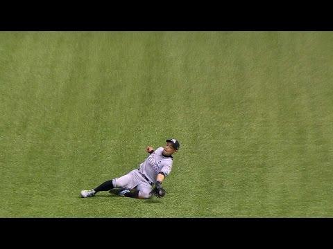 MIA@TB: Ichiro races for sliding catch to cement win