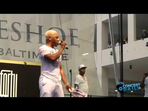 "Sisqo performs ""Thong Song"" Live at Baltimore Horseshoe"