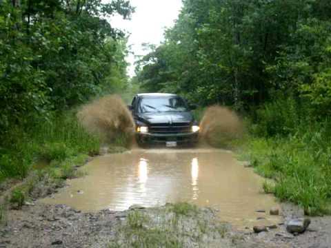 dodge ram 1500 sport mudding - Dodge Ram 1500 Lifted Mudding