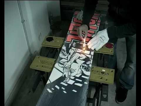Snowboard waxing tutorial come sciolinare la tavola da snowboard e piccole riparazioni youtube - Costruire tavola da snowboard ...