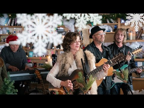 Amy Grant: NPR Music Tiny Desk Concert - YouTube