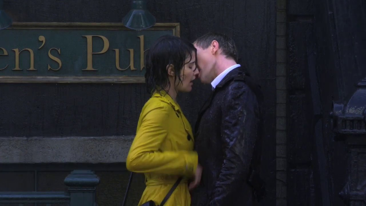 What episode does barney first and second kiss robin