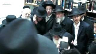 Rabbi Elyashiv & Rabbi Sternbuch