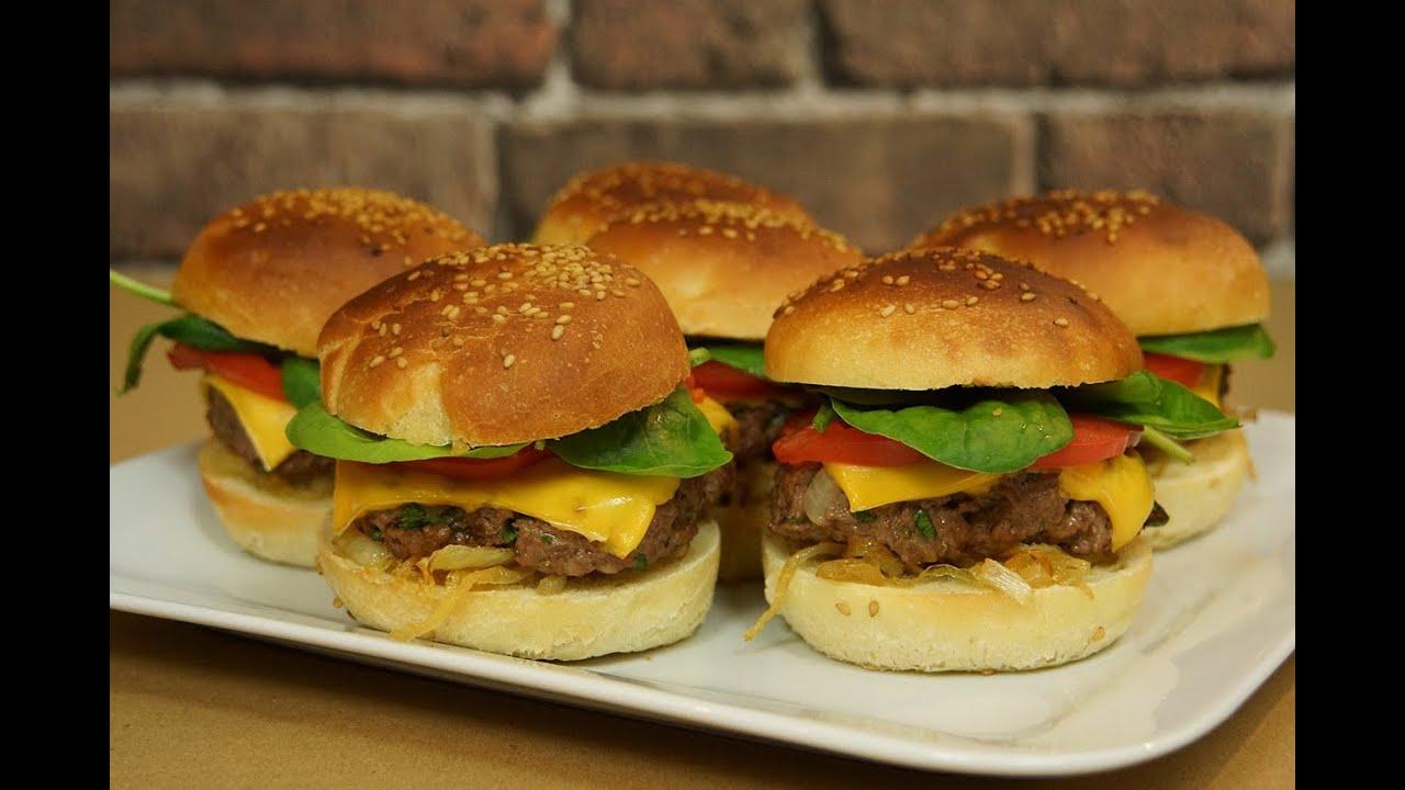 Recette des burgers maison partie 1 : les pains à burger ou buns - YouTube