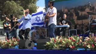 עידן עמדי מארח את ישי ריבו | בזמן האחרון | הר הזיתים ירושלים  25.4.16