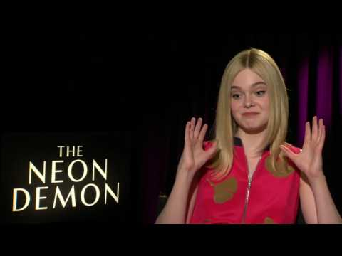 "The Neon Demon: Elle Fanning ""Jesse"" Official Movie Interview"