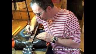 Gambar cover Refrettage d'une guitare Christophe Tupinier Music en scène