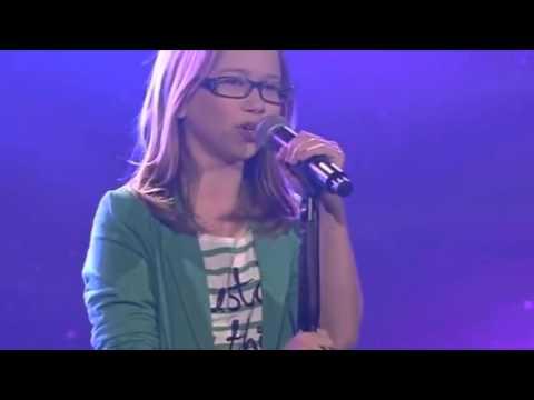 Девочку ПОСАДИЛИ вместо ЖЮРИ  после того как она спела  Шоу Голос дети 2015 the voice kids