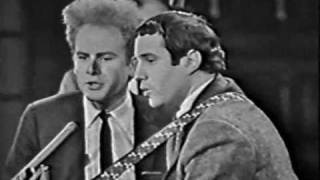 Repeat youtube video Simon & Garfunkel - Sounds Of Silence (Live Canadian TV, 1966)