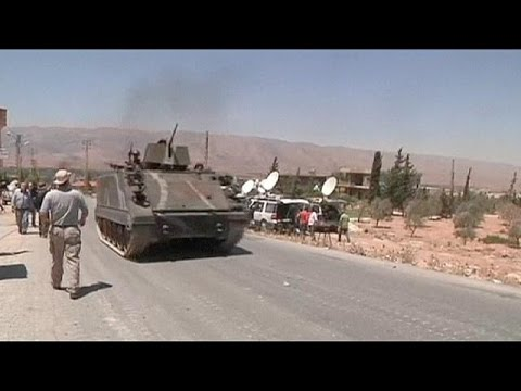 Lebanese troops advance on border town to oust Syrian Islamists