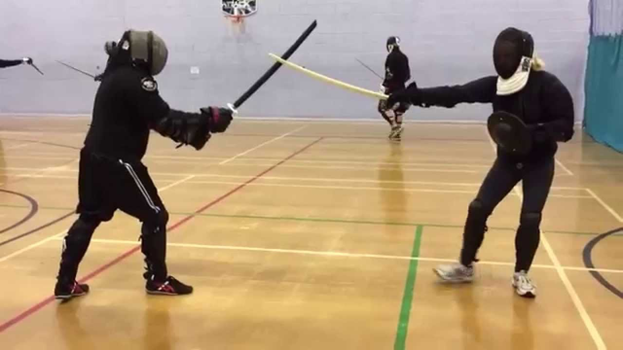 AHF Sword & buckler vs Katana sparring - Nick vs Esther ...