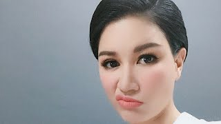 Trang Trần chất vấn bóc phốt ca sĩ hải ngoại Phương Dung