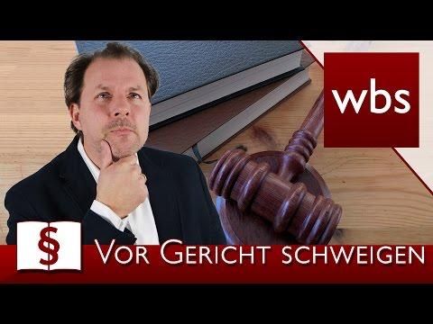 Jura Basics: Wann darf ich vor Gericht schweigen? | Rechtsanwalt Christian Solmecke