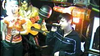 Joana singt Please forgive me im Karaoke Fun Pub Stuttgart http://www.funpub.eu