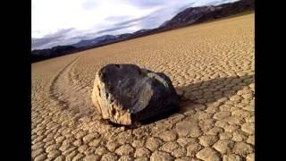 Движущиеся камни в Долине Смерти.(Движущиеся камни в Долине Смерти., 2015-10-04T19:58:40.000Z)