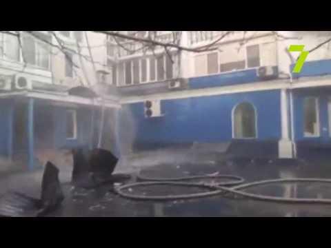 Новости 7 канал Одесса: ЧП на Таирова: два спасателя пострадали во время тушения пожара