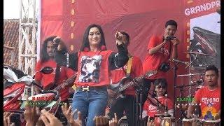 "Video Susi Ngapak - Jaran Goyang - OM Ervana LIVE Gor Satria Purwokerto ""JALAN SEHAT TELKOMSEL 4G"" download MP3, 3GP, MP4, WEBM, AVI, FLV Desember 2017"