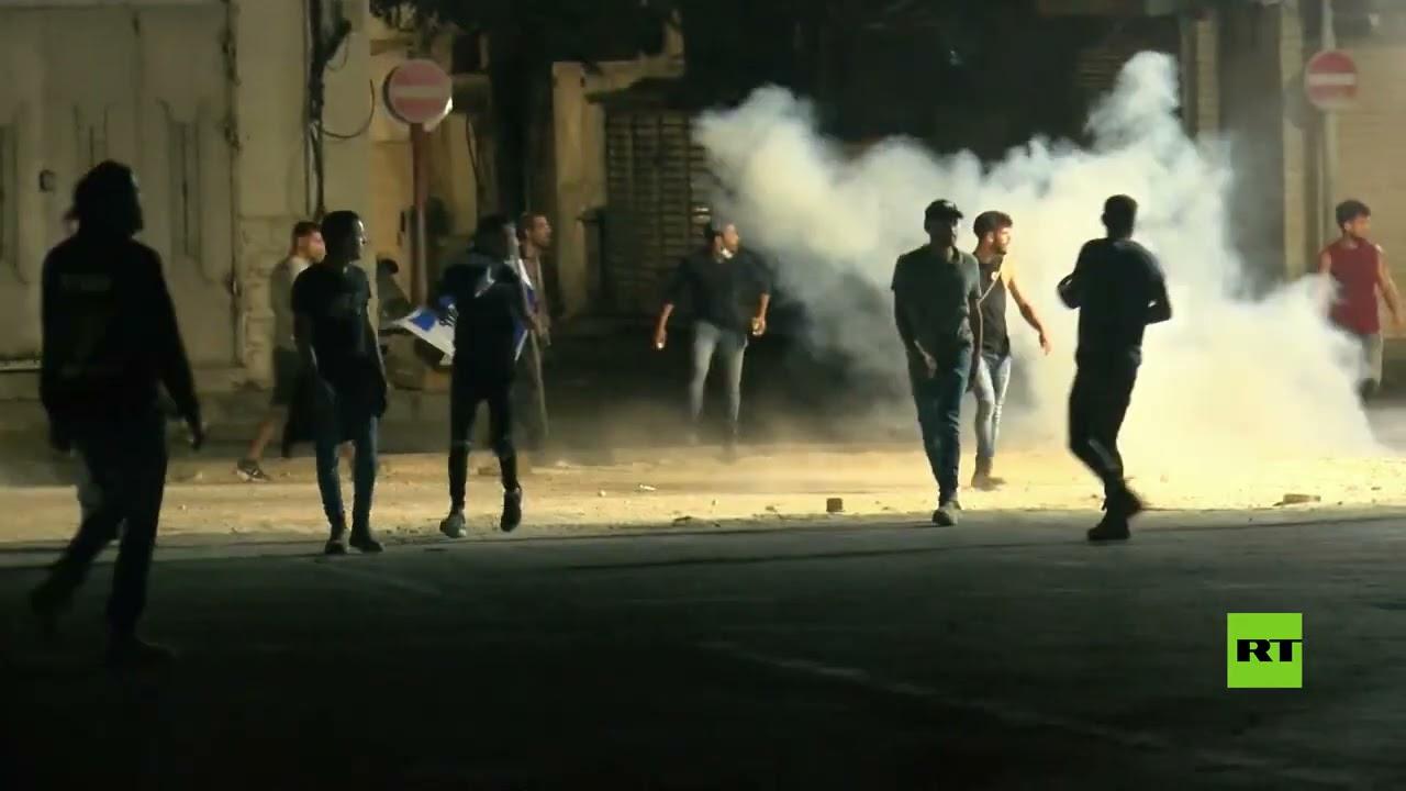 الشرطة الإسرائيلية تتدخل لفض اشتباكات بين سكان يهود وعرب في اللد  - 14:58-2021 / 5 / 13