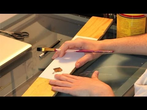 How to Do Homemade Wood Stenciling : Homemade Crafts