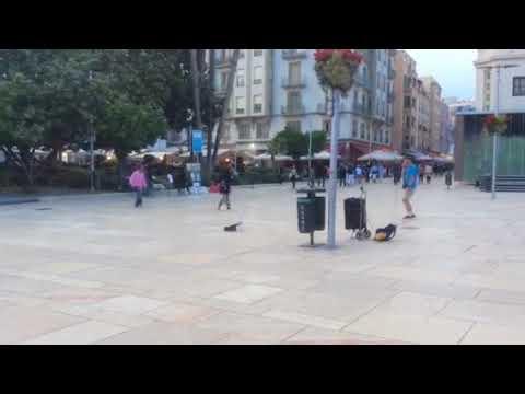 Dancing man jams with MC in Málaga historic centre (pt. 1)