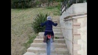 Trial moto Stunts-Dougie Lampkin-Freestyle Motorcycle Fun-Bruno-Moto trial-gas gas