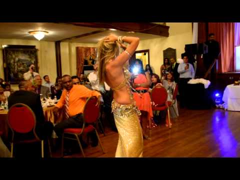 Colombian  Belly Dancer- Nagin Music- MANN  DOLAY MERA.