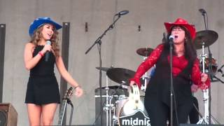"Midnight Rocks the Runway - Haley & Mom sing: ""Piece Of My ReinHart"""