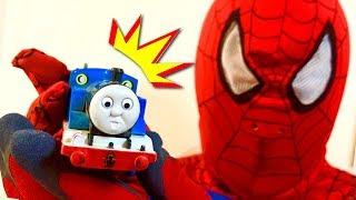 きかんしゃトーマス&スパイダーマン 踏切トンネル線路で探し物☆電車 新幹線 トミカ Thomas&friends Spiderman