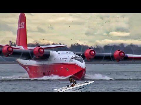 DEVASA Yangın Söndürme Uçağı Su Almak için Denize Dalıyor !