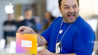 Apple Employee Receives First Titanium Apple Card! Video