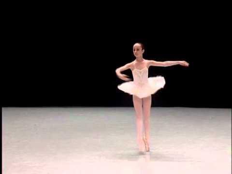 Extrêmement ManonB - Concours International de Danse Classique - Biarritz 2011  GF13