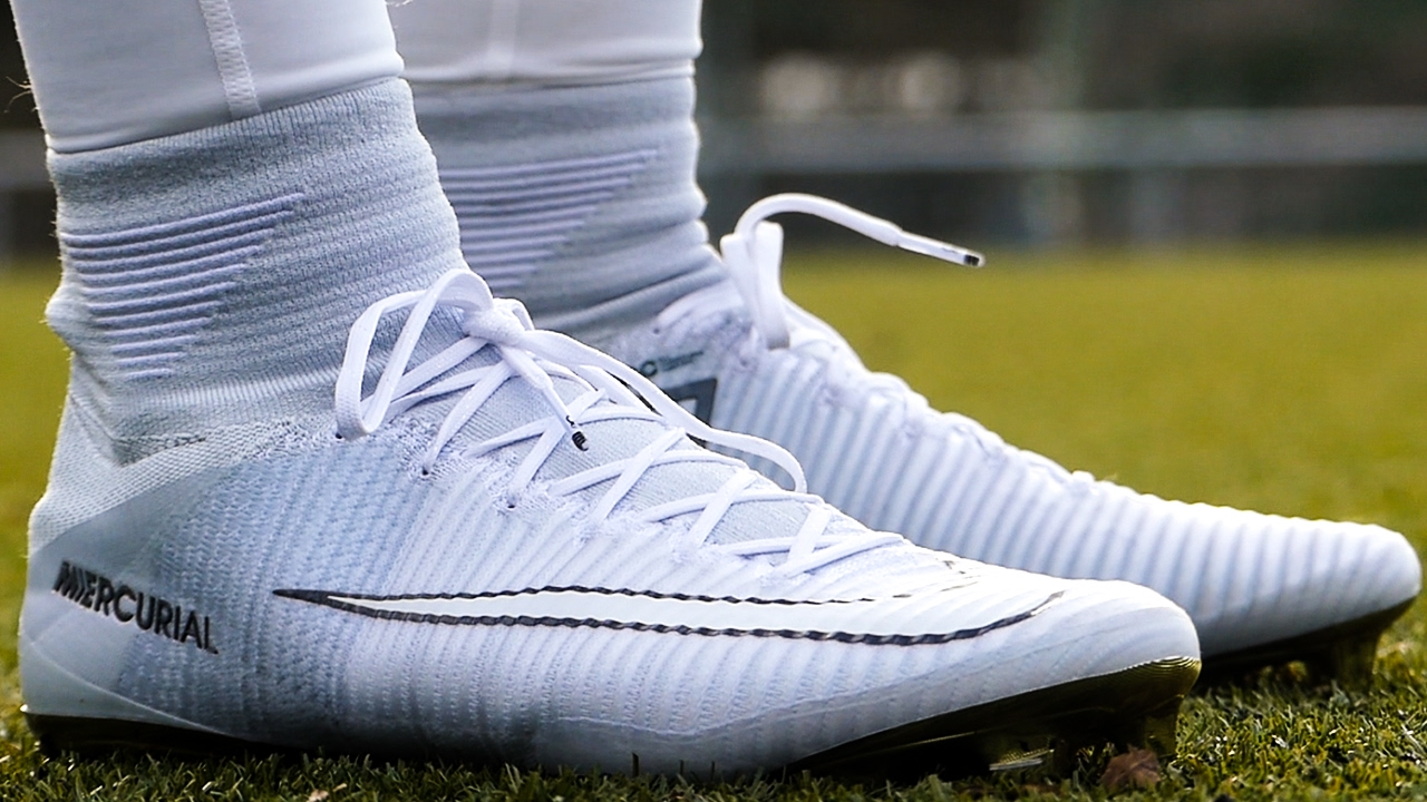new concept 77c25 2074f Nike Mercurial Superfly CR7 Vitórias - Test - YouTube