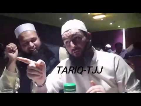 Junaid Jamshed in very Good mood with Sheikh Babar & Naeem Khan and friends