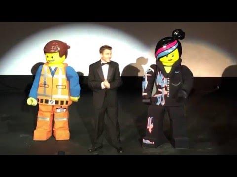 The LEGO Movie 4D premiere introduction | Living Mi Vida Loca