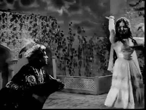 Ek Chameli Ke Mandve Tale - Cha Cha Cha (1964)