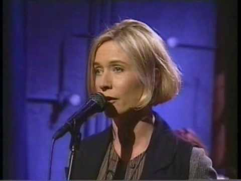 Sam Phillips - I Need Love live - Late Night 1994  (great stereo sound)