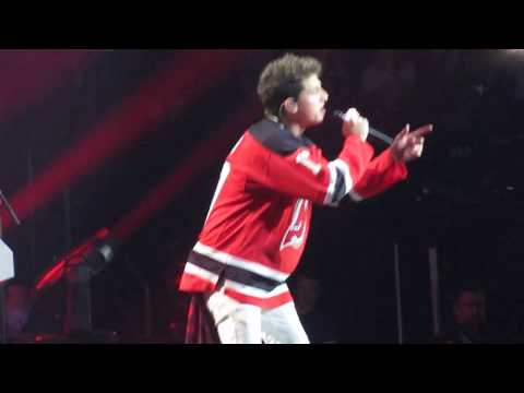 Charlie Puth - Attention (Live at Prudential Center Newark, NJ) 8/17/17