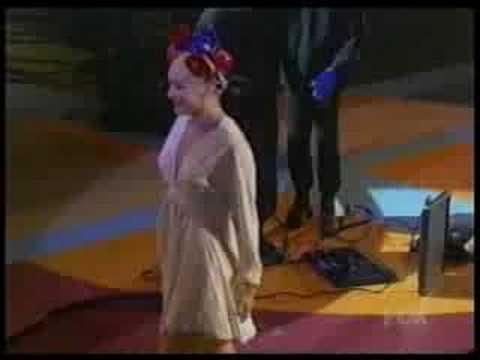 Gwen Stefani winning Billboard Award 2005