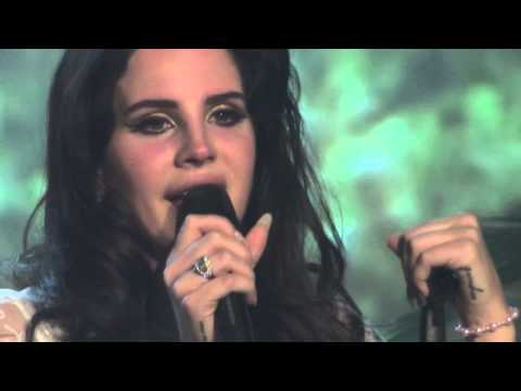 Lana del Rey, Tears of emotion during Video Games, Vicar Street, Dublin 26-05-2013