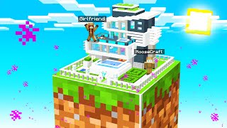 HOW TO BUILD GIRL HOUSE On ONE BLOCK with GIRLFRIEND! (Minecraft)