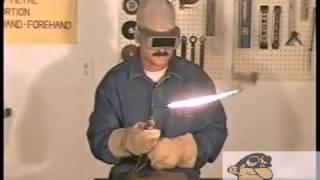 видео Сварка в различных положениях: правильный выбор угла наклона сварочного электрода