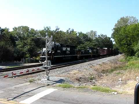 Norfolk Southern slug set leaving Birmingham yard