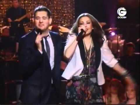Thalia y Michael Buble   Feliz Navidad LIVE