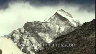 Nuptse peak en route Mt. Everest