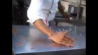 Food Safety & Hygiene Training Video in English Level 1(, 2013-08-14T08:17:12.000Z)