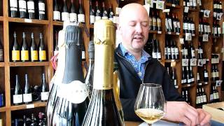 Is Dom Perignon REALLY better than mid range Champagne such as Veuve Clicquot? - Tell me Wine TV
