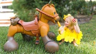 Nastya와 아빠는 깨진 장난감을 수리