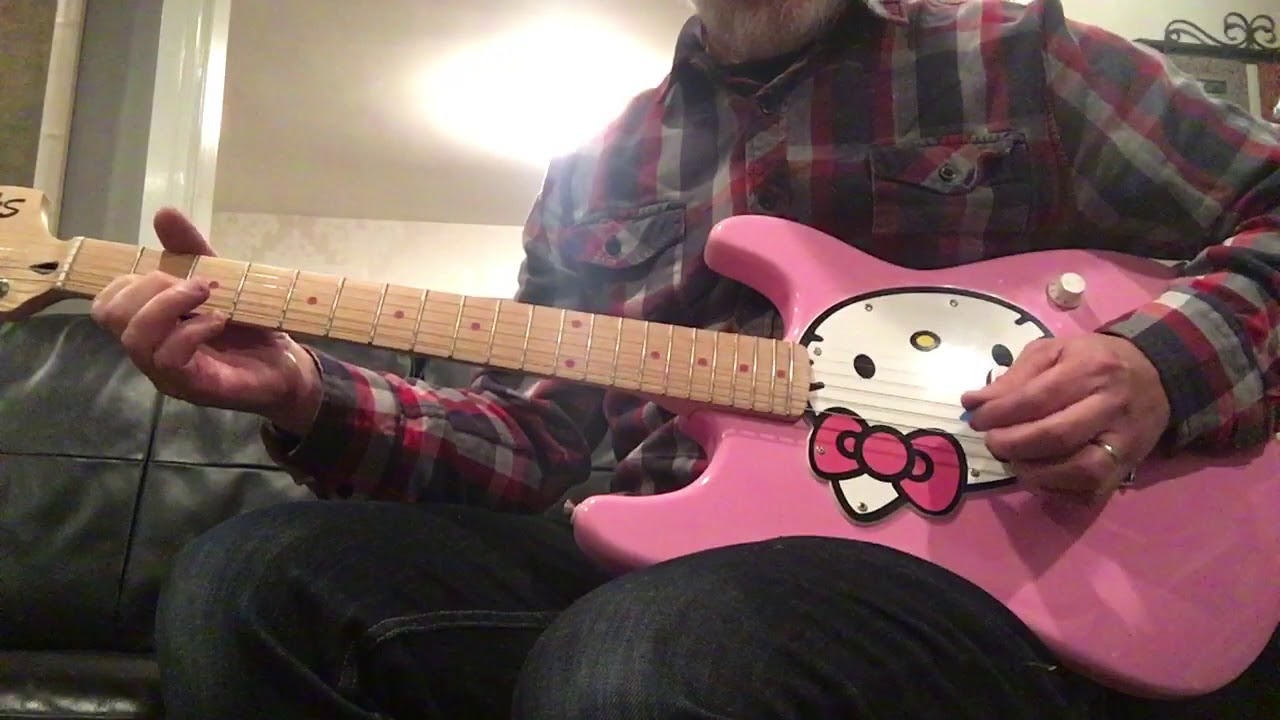 hello kitty fender squier electric guitar 2006 youtube. Black Bedroom Furniture Sets. Home Design Ideas